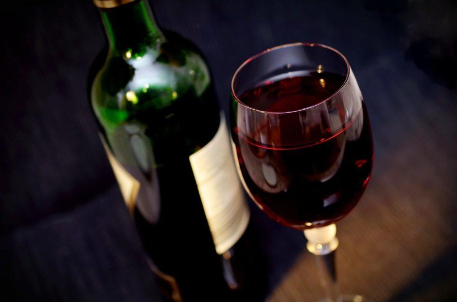 glass of shiraz wine