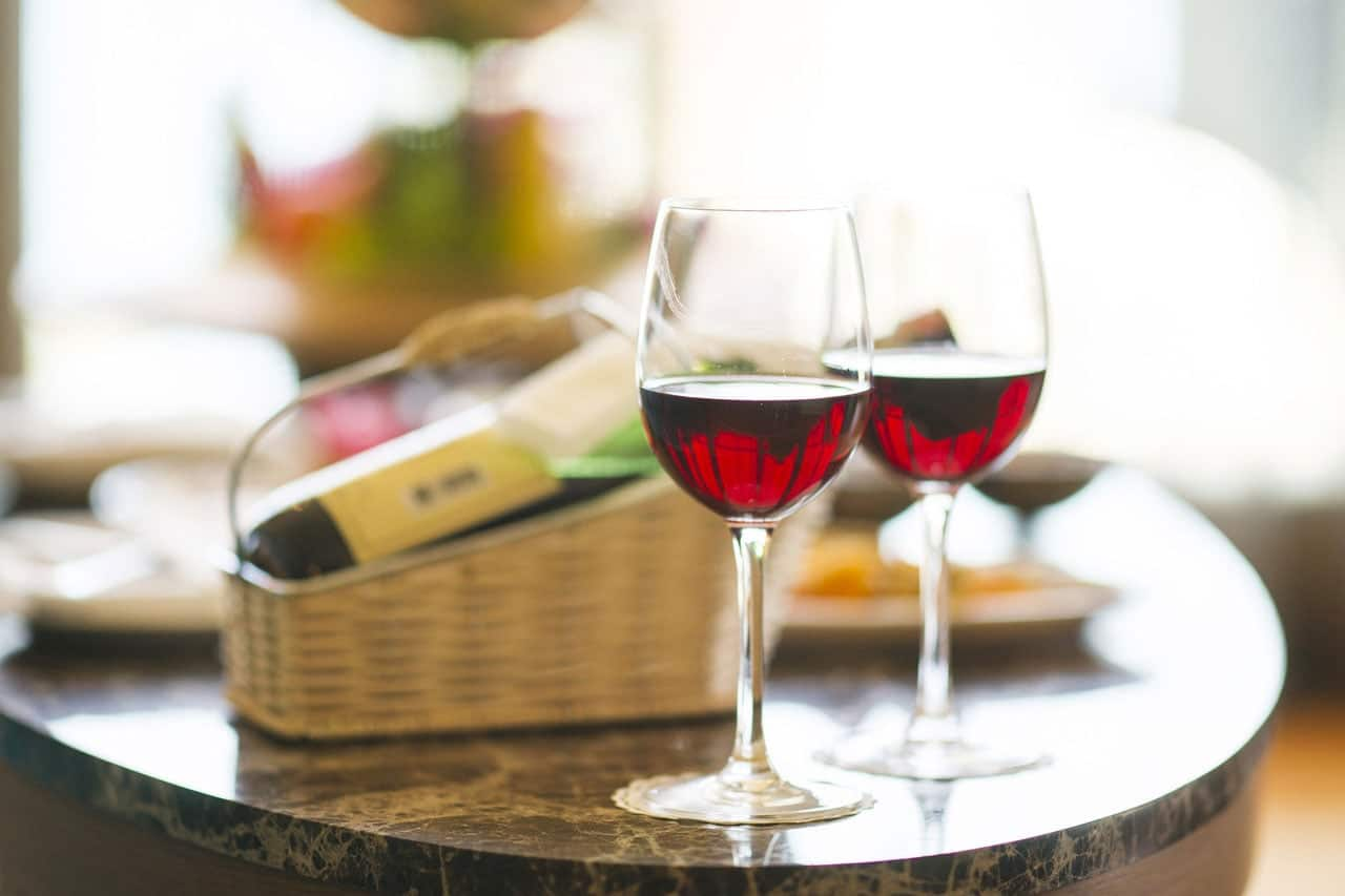 red wine in glasses